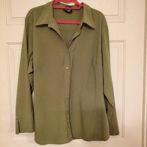 Venezia Jean's Co. Size 22/24 button down shirt